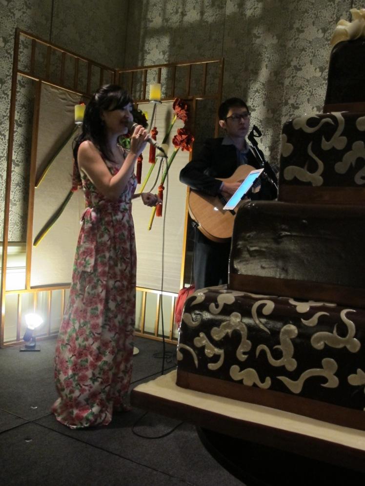 Red Kite Wedding Singer in Singapore